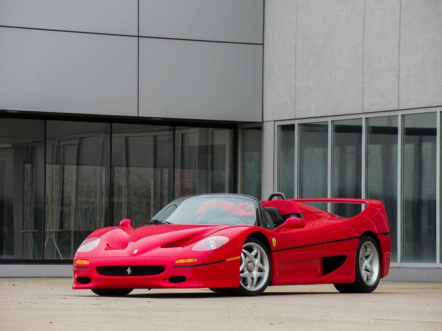 Ferrari-f50-en-vente-chez-Driving-Into-Summer