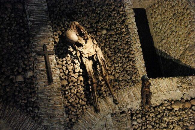 La-chapelle-des-os