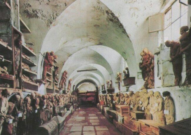 Les-catacombes-capucines-destinations
