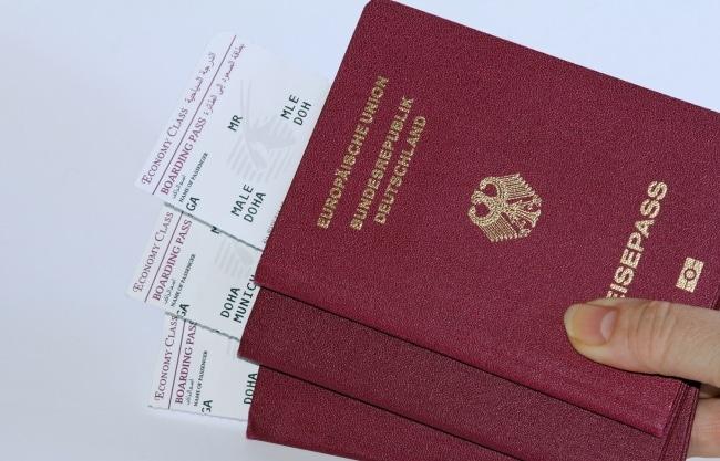 couleur-passeport-rouge