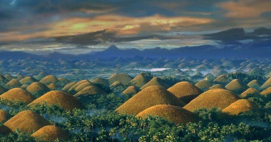 Chocolate-Hills-une-formation-géologique-fascinante