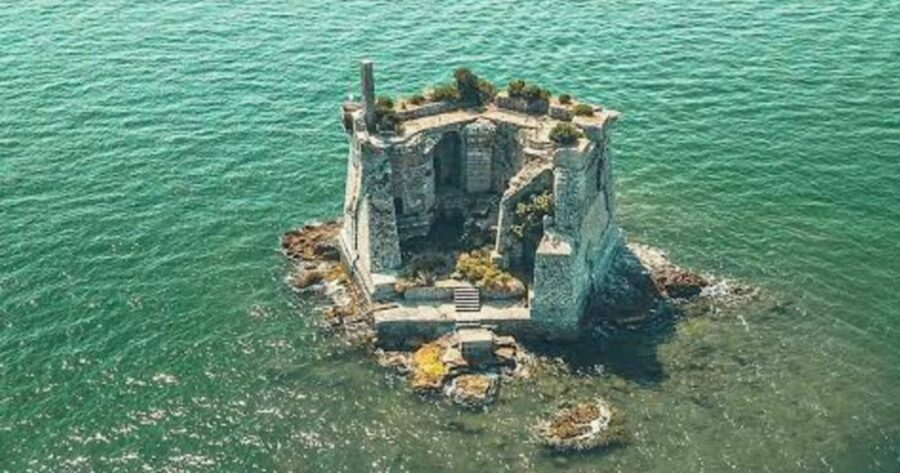 La-Spezia-Découvrez-Torre-Scola-une-forteresse-en-mer