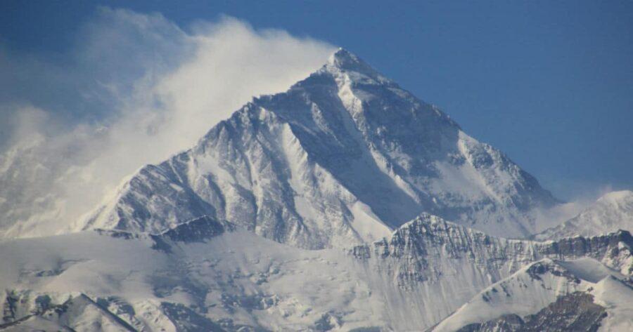 Mont-Everest-8-faits-surprenants-à-savoir