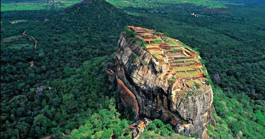 Sigiriya-une-ancienne-forteresse-au-Sri-Lanka