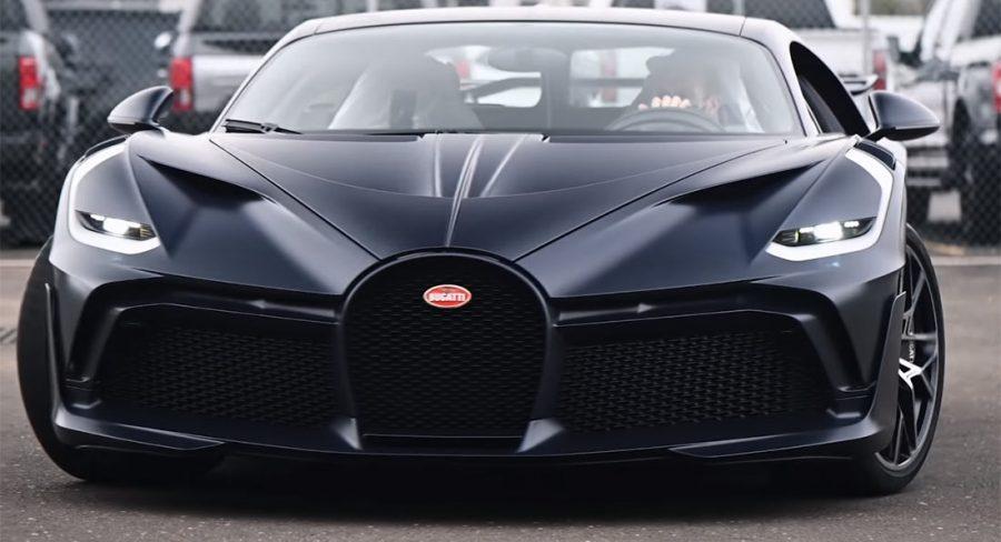 Cette-nouvelle-Bugatti-Divo-a-de-la-fibre-de-carbone-bleu