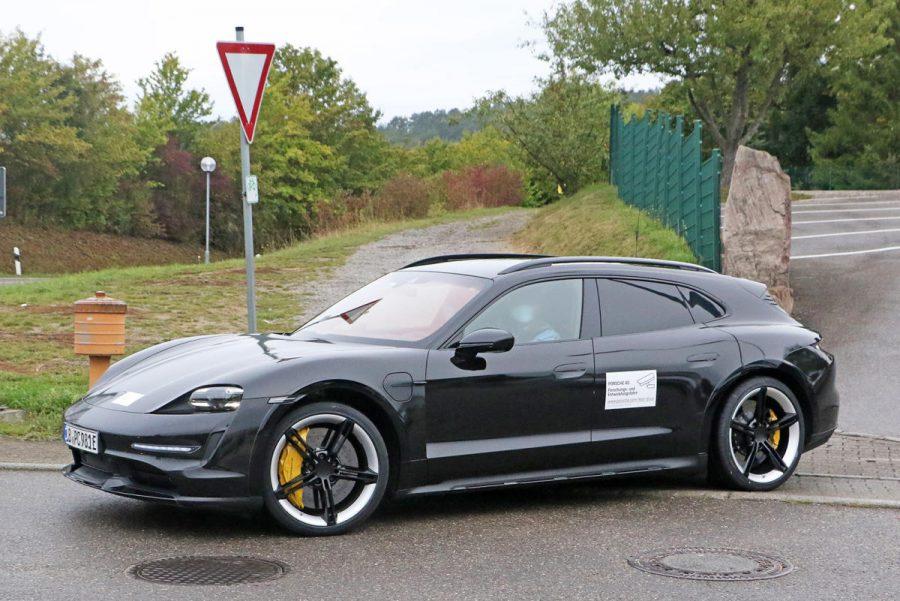 Porsche-taycan-cross-turismo-en-images