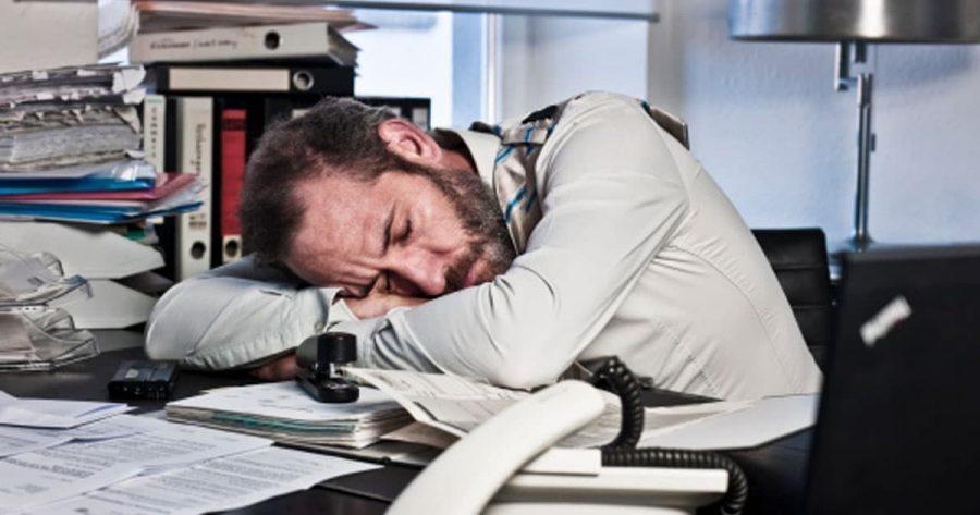 Dormir-au-travail-5-raisons-que-c-est-une-bonne-chose