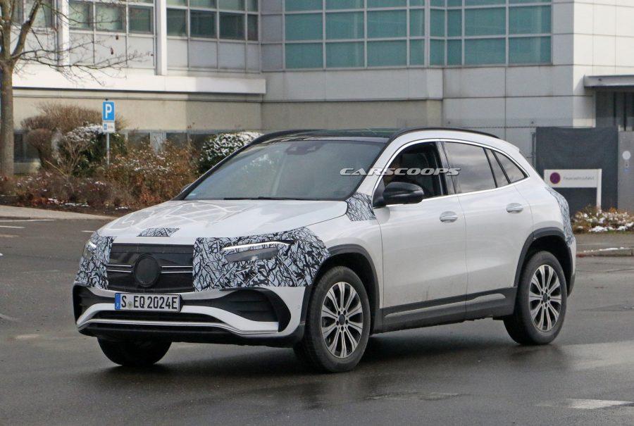 Mercedes-EQA-repérée-pratiquement-sans-camouflage
