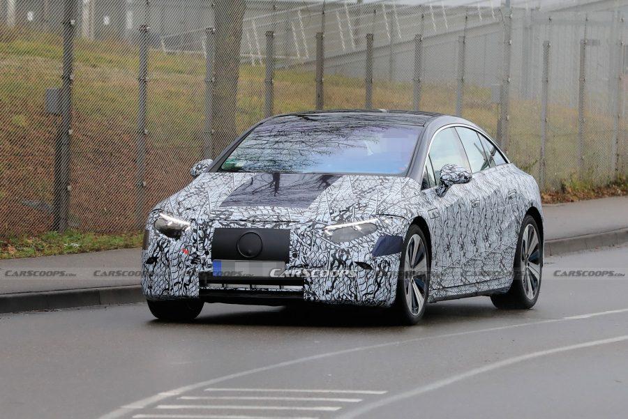 Mercedes-EQS-Elle-se-montre-de-plus-en-plus