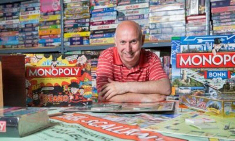 Monopoly-Il-en-possède-3000-exemplaires-de-ce-jeu